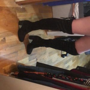 Knee high suede black boots